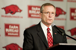 University of Arkansas Extends Jeff Long's Contract to 2017