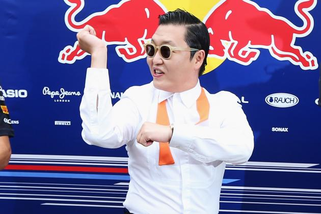 Psy Performing 'Gangnam Style' at Halftime of Bills-Seahawks