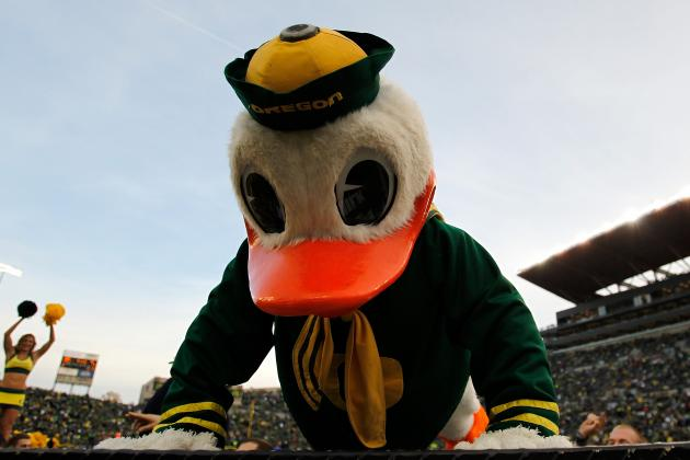 Oregon Ducks' Awful Weekend Included Miserable Mascot Moments