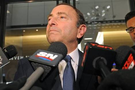 Bettman Tells Winnipeg Newspaper: 'I Love the Players'