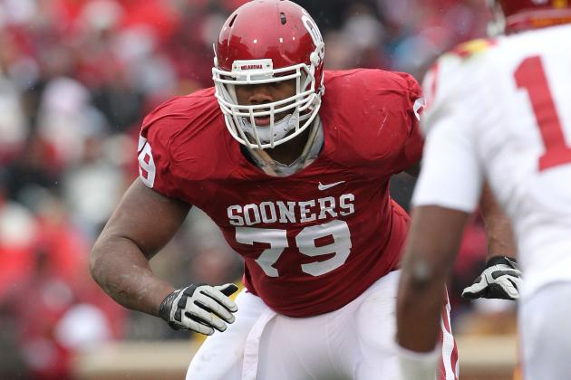 Oklahoma Tackle Williams Out with Knee Sprain