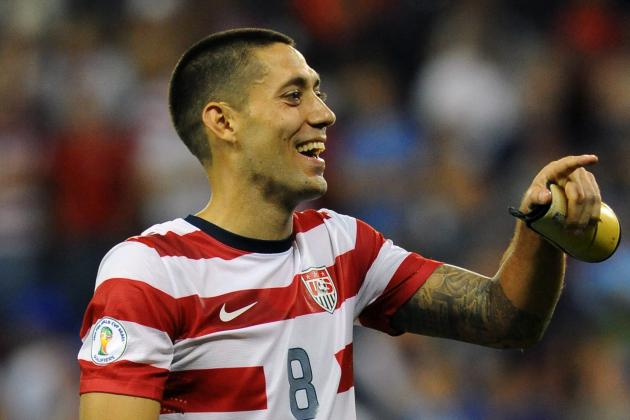 Dempsey Wins 2nd Straight US Soccer Federation Male Athlete of the Year Award