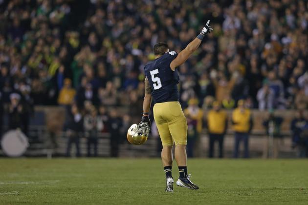 Notre Dame LB Manti Te'o Wins 2012 Chuck Bednarik Award