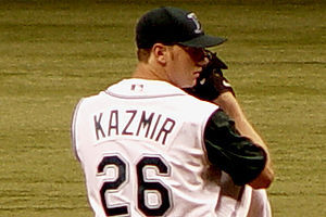 Scott Kazmir Makes Solid Debut in Puerto Rico