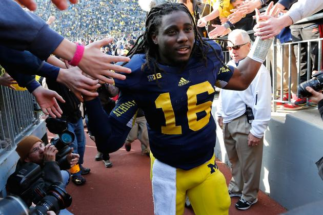 Michigan QB Denard Robinson Turned Coach During Recovery from Injury