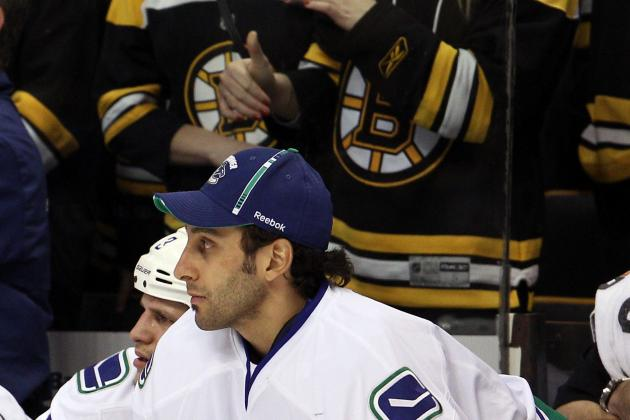 Boston Bruins: Would a Roberto Luongo Deal to the Maple Leafs Benefit the B's?