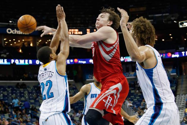 Tom Thibodeau Says Omer Asik a Lot Like Yao Ming