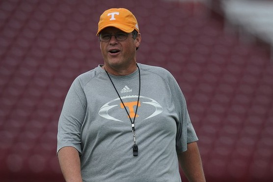 Jim Chaney Looks to Lead Vols in Final Week