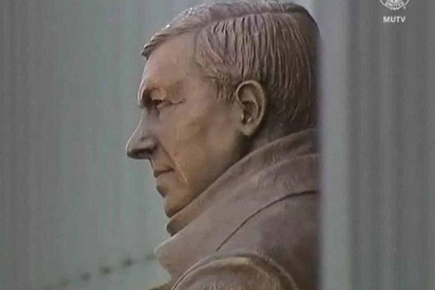 Ferguson Honoured by Manchester United as Statue of Manager Is Unveiled