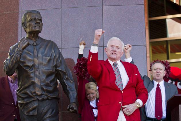 Broyles Statue Unveiled