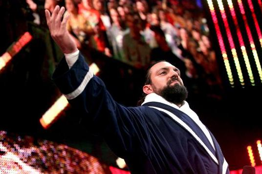 Triple H Needs to Come Back for a Feud with Damien Sandow