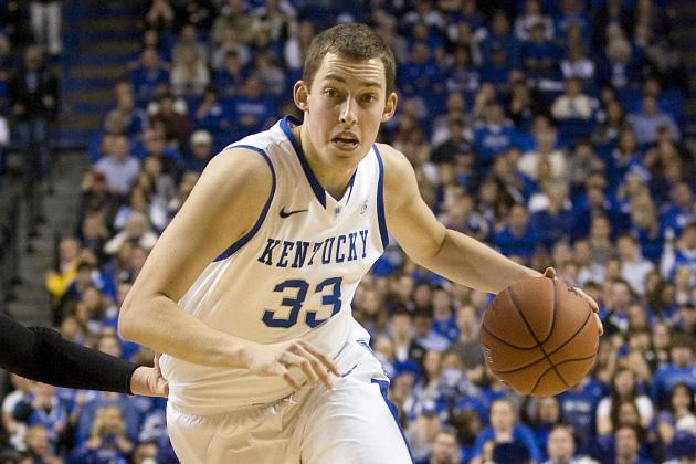 Kentucky Basketball Coach Cal's Laser Pointer Now Aims at Kyle Wiltjer
