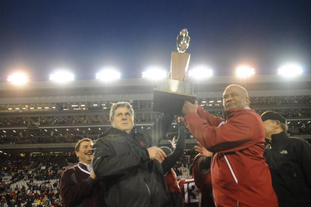 Washington vs. Washington State: Does Win Keep Mike Leach Off the Hot Seat?