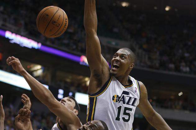 Derrick Favors Back to the Bench vs. Sacramento Kings