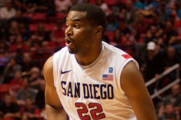 Tapley Hurts Knee at Practice, Could Miss USC