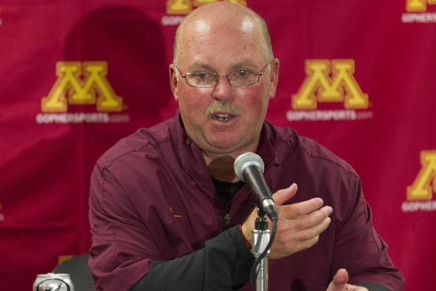 Minnesota Head Coach Jerry Kill Suffers Seizure at Halftime