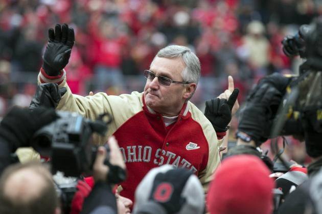 Jim Tressel Receives Thunderous Applause and Standing Ovation at the Horseshoe