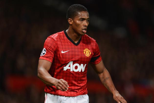 Antonio Valencia out for Manchester United with Hip Injury