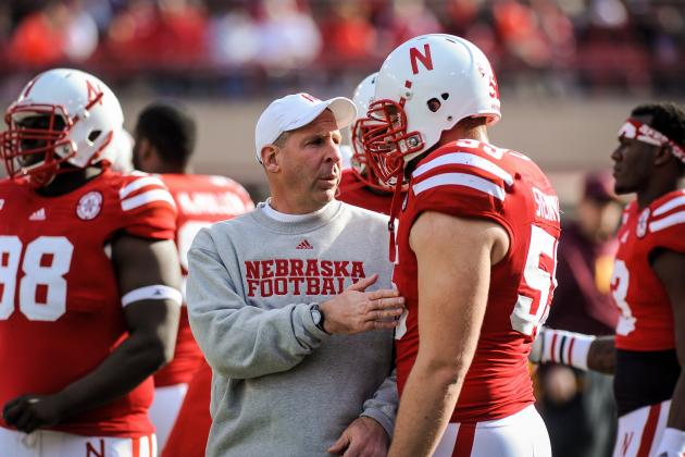 Linemen's Injuries Hard Blow to Husker Midsection