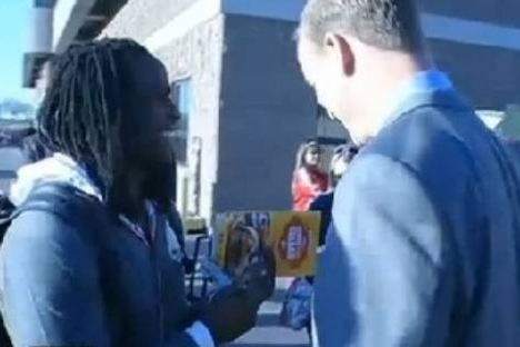 Jamaal Charles Asked for Peyton Manning's Autograph After Loss
