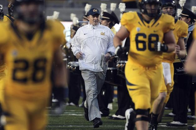 Jeff Tedford Receives Standing Ovation from Cal Players