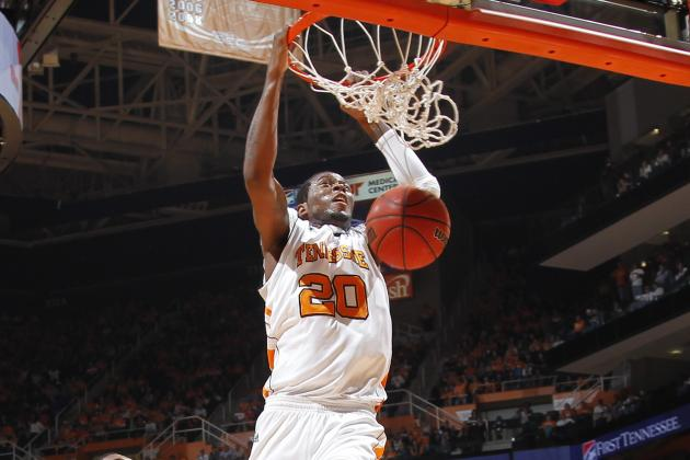 Vols Have Reason to Celebrate Against Oakland