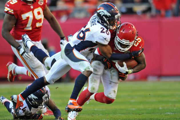Jamaal Charles Gets Peyton Manning's Autograph and Other AFC West News