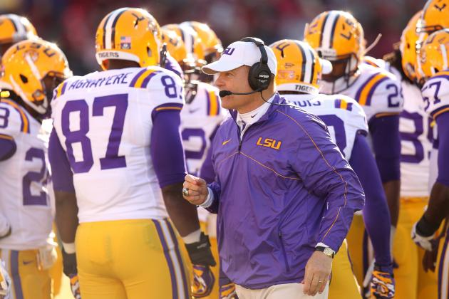 Arkansas' Wooing of Les Miles Not Helping LSU on Recruiting Trail