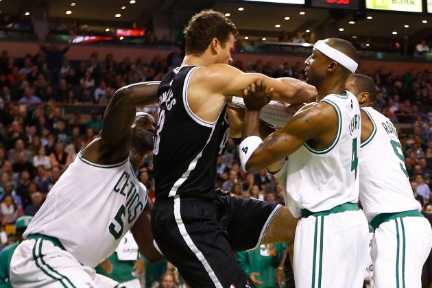 Kris Humphries Shows off the Horror of Rajon Rondo Spat