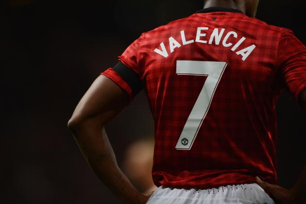 Manchester United: Legendary No. 7 Shirt Proving Too Much for Antonio Valencia