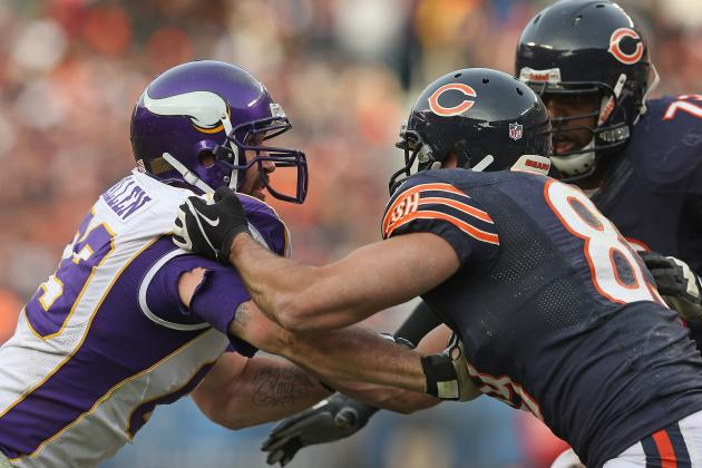 Suh Could Learn a Few Things from Jared Allen