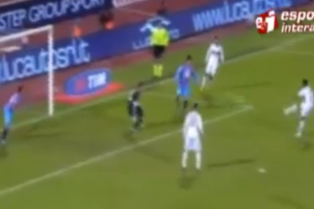 Robinho Adds to His EPIC MISSES Collection with Another Open Goal FAIL