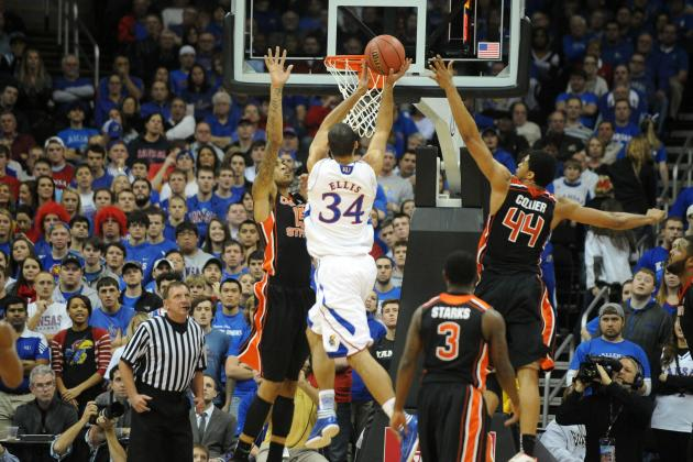 No. 10 Kansas holds off Oregon State's rallies