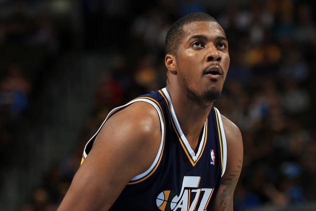 Derrick Favors out Against Rockets, to Get MRI on Right Foot
