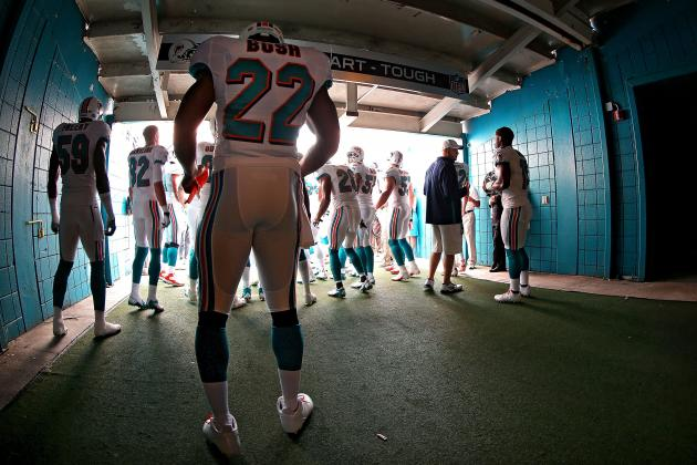 Miami Dolphins: Despite Reggie Bush's Recent Rebound, Is He Worth Re-Signing?