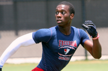 3-Star Wide Receiver De-Commits from USF, Now Considering Louisville