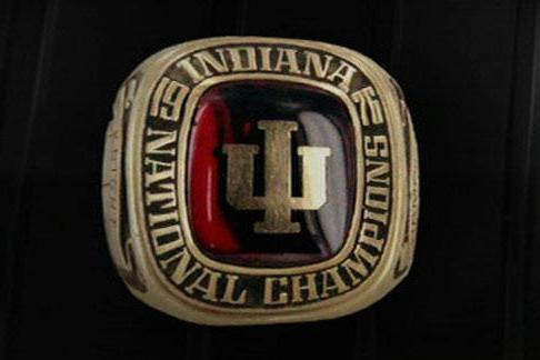 Video: Bob Knight Selling Title Rings