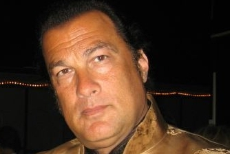 Steven Seagal Says He'd Fight Randy Couture for Free in a No Holds Barred Bout
