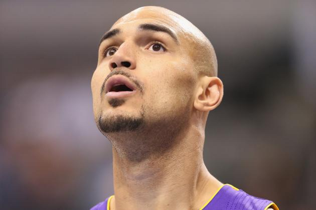 Lakers Recall Robert Sacre