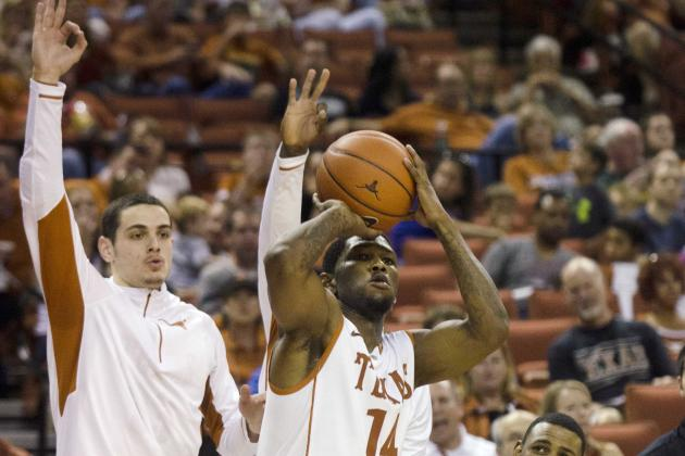 Lewis' Outside Touch Powers Longhorns