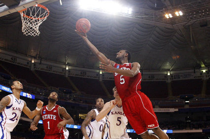 No. 25 NC State Beats UConn 69-65 in Jimmy V Classic