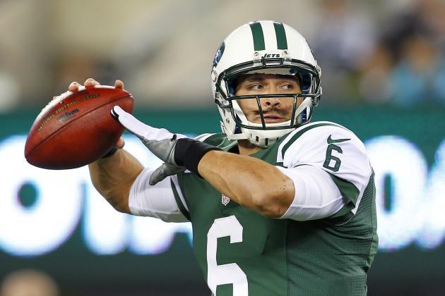 New York Jets Name Mark Sanchez Starter vs. Jaguars, and Other AFC East News