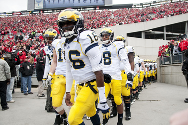 Denard Robinson Preparing for Homecoming