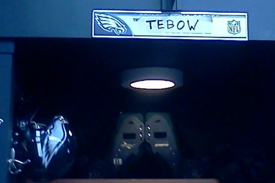 Trent Edwards' Locker Apprently Belongs to Tebow, NFL Mystery Begins