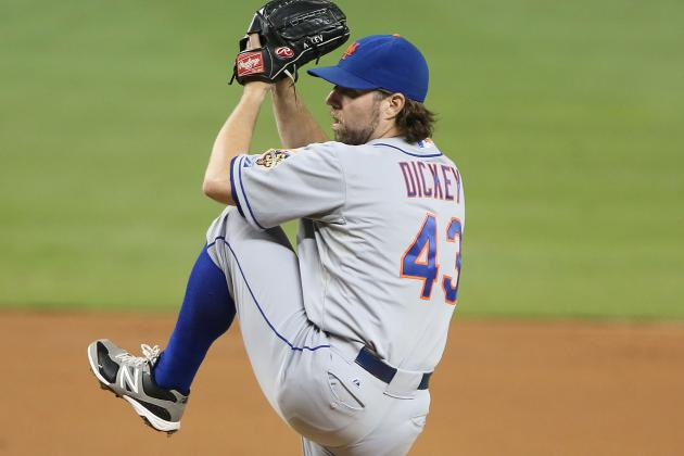 R.A. Dickey Treatment by New York Mets over Contract Is Unacceptable
