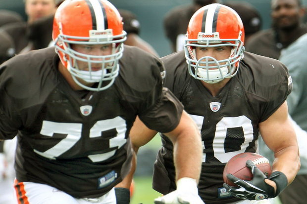 Peyton Hillis Fires Back at Joe Thomas: 'It's Like a Crazy Ex-Girlfriend'