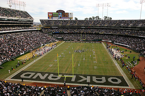 Goodell says NFL would help fund construction of Oakland stadium