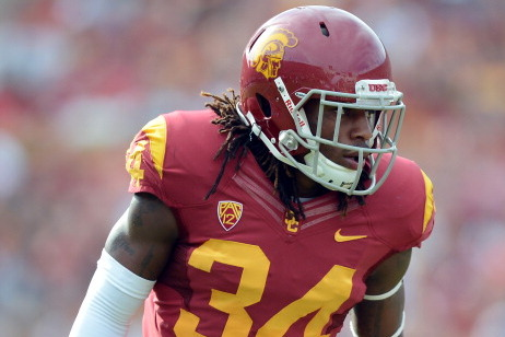 USC LB Rips the Sun Bowl and Has to Apologize to the Entire City of El Paso