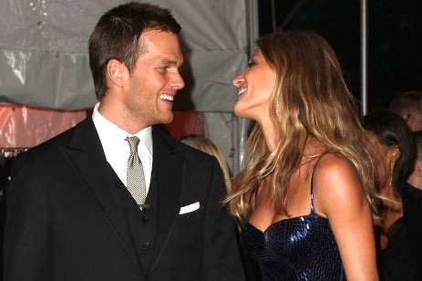 Patriots' Tom Brady and Gisele Bundchen Happily Announce Baby Girl Vivian