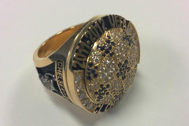 Drogba Gifts Chelsea Commemorative Champions League Rings